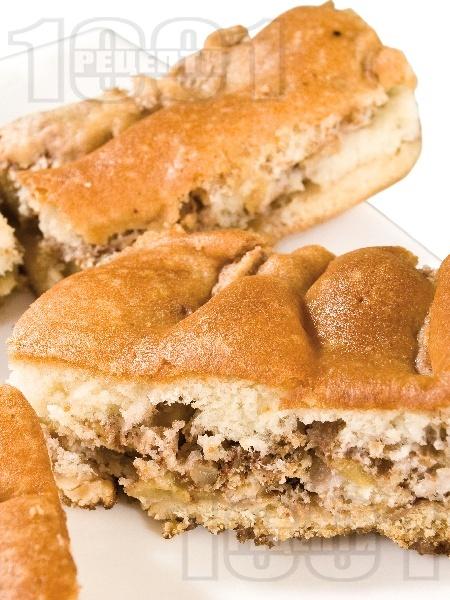Бърз и лесен сладкиш с бисквити, масло и настъргани ябълки (с бакпулвер) - снимка на рецептата